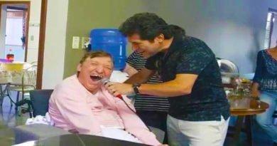 Cantor Daniel causou emoção na internet ao comemorar o aniversário do irmão