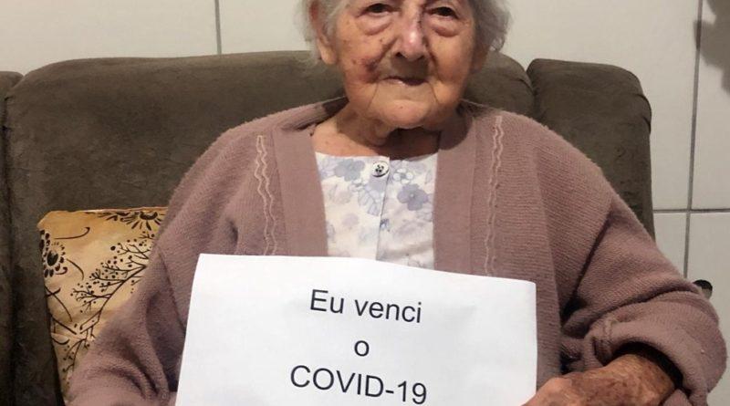 COM PRESSÃO ALTA, DIABETES, MARCAPASSO E CÂNCER, IDOSA DE 94 ANOS VENCE COVID-19