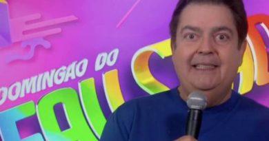 Faustão quebra protocolo e manda recado para apresentadores da Record no 'Domingão'