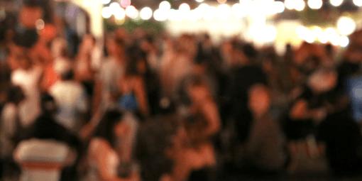 Universitários fazem festa e apostam quem pega Covid-19 primeiro. Pessoas com a doença eram convidados vips