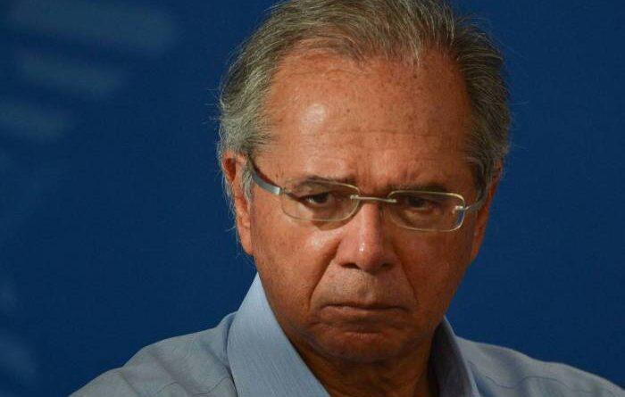 Ministro Guedes fala sobre auxílio emergencial para o ano de 2021