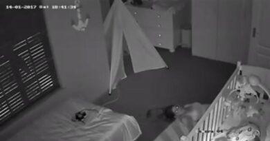 Pai leva susto ao ver nas câmeras oque sua esposa fazia no quarto do bebê; Assista: