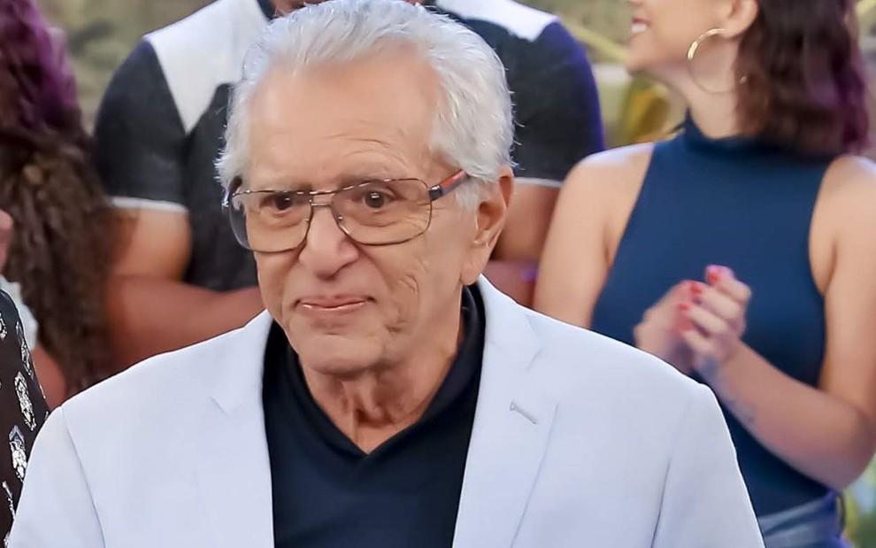 Aos 84 anos, Carlos Alberto de Nóbrega é internado às pressas com Covid-19 e família faz triste comunicado