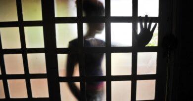Homem é preso após obrigar sua enteada de 11 anos de idade a mandar vídeos porn0gráficos para ele