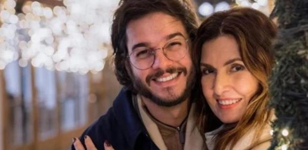"""Aos 58 anos de idade, Fátima Bernardes confirma chance de gravidez com Túlio Gadêlha: """"Feliz e alegre"""""""