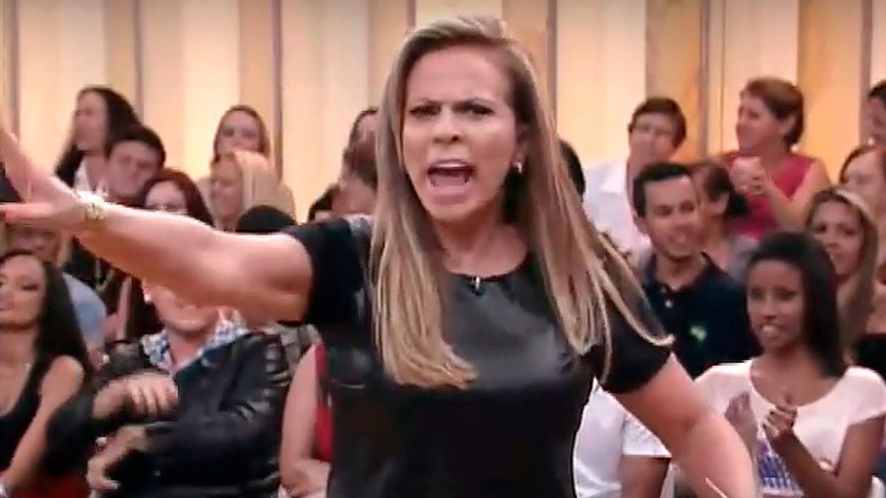 """Christina Rocha surta e expulsa participante do palco do Casos de Família: """"Bordel onde você trabalha"""""""