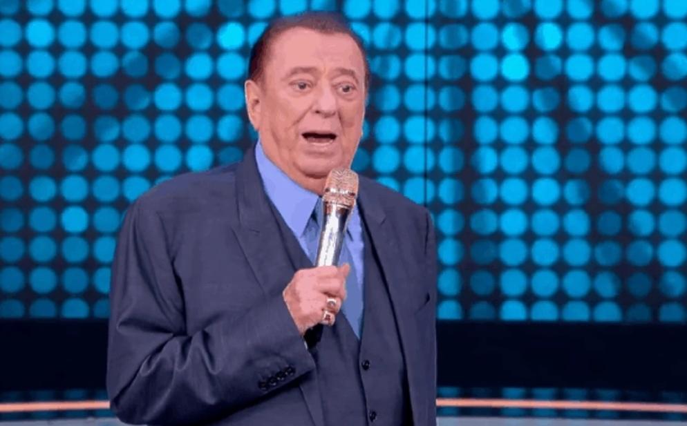"""Cantor evangélico do Raul Gil se assume gay, é ameaçado de morte na TV e denuncia: """"Minha vida"""""""